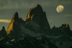 27-Patagonia-Moon