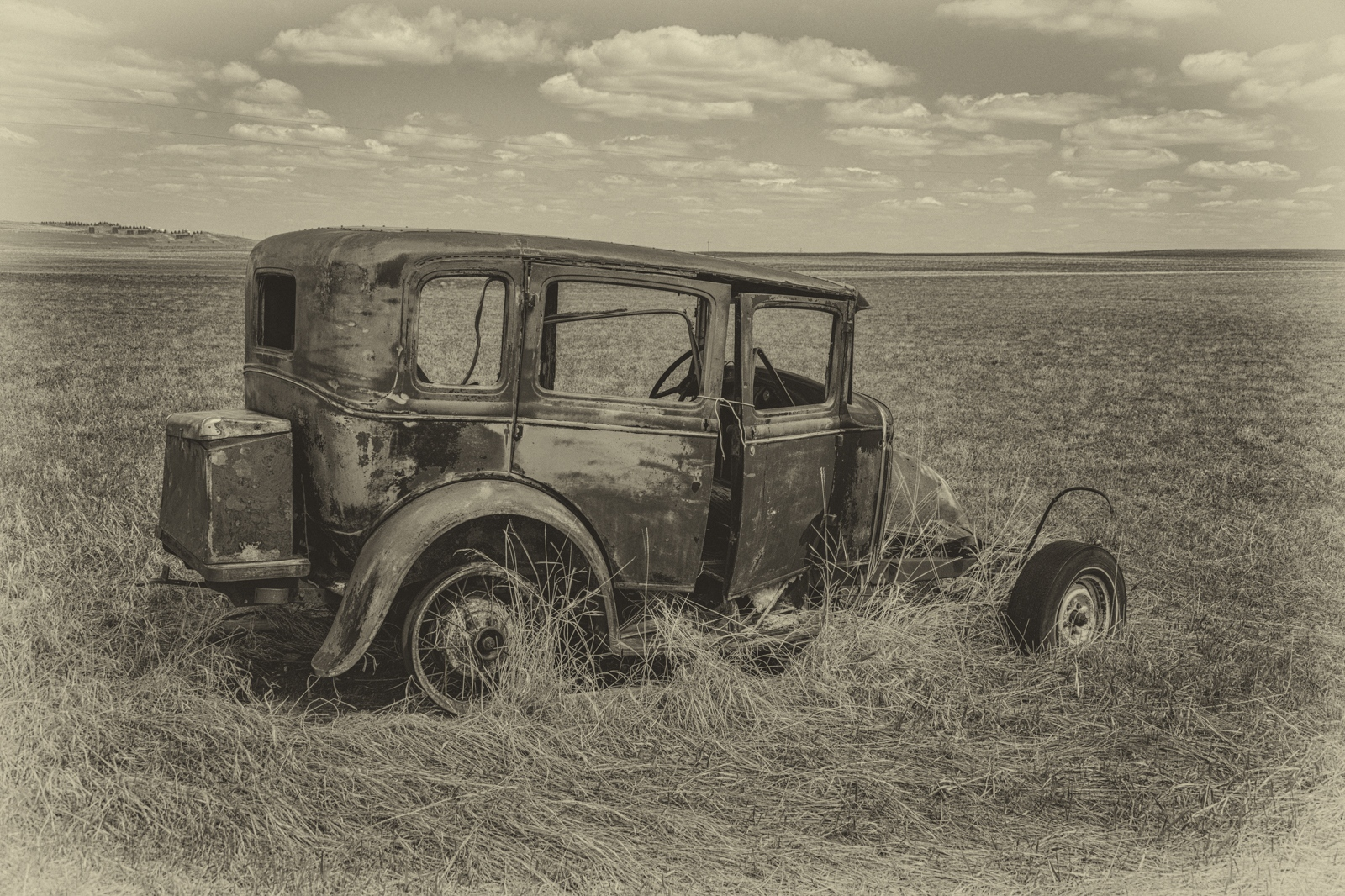 15-Old-Car-in-Badlands